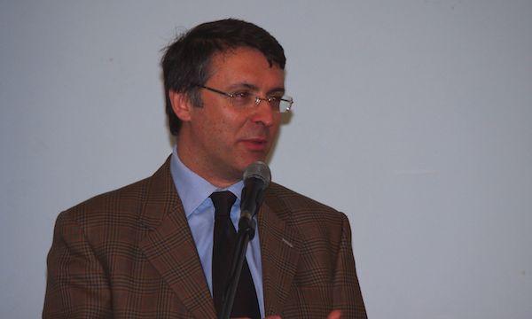 Che cos'è l'onestà? Raffaele Cantone ospite ad Avellino
