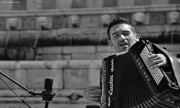 Tour in Italia con Roy Paci per il virtuoso irpino della fisarmonica Carmine Ioanna