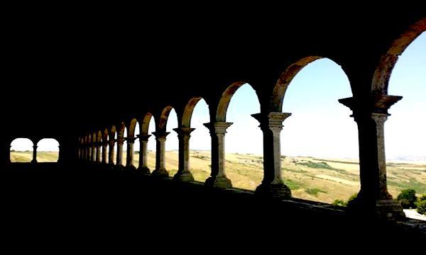 Castello di Bisaccia, c'è la mostra 'Percezioni nascoste'