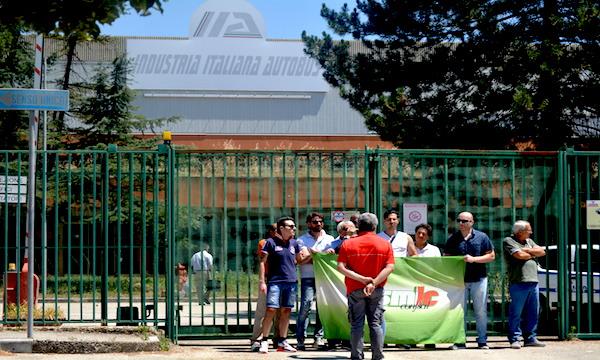 Industria Italiana Autobus chiama Invitalia e Ferrovie, lotta contro il tempo