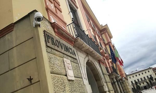 Scuole e strade, un milione per la provincia di Avellino
