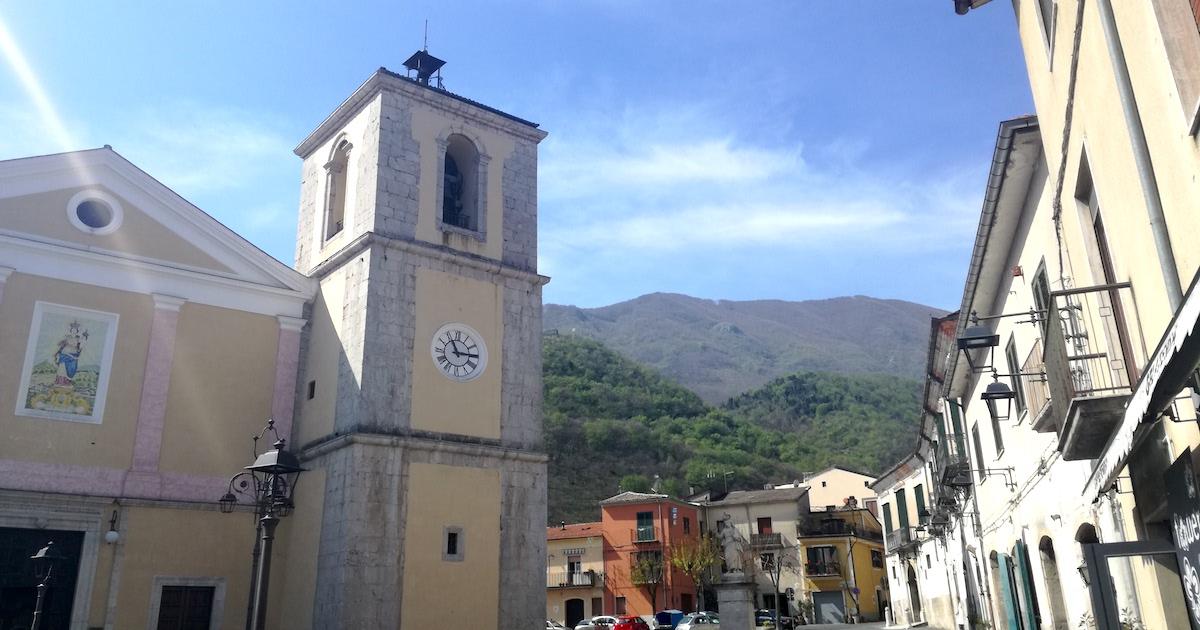Videosorveglianza, marciapiedi, arredo urbano: cinque interventi a Montella