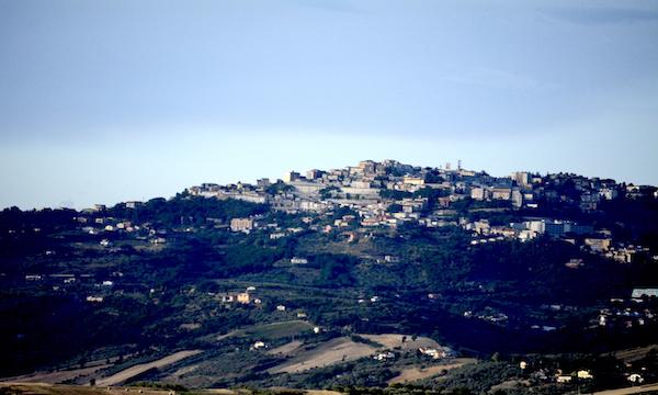 Pasticcio zona franca ad Ariano, scontro Maraia-Gambacorta-De Angelis