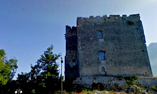 Riapre il castello Cavaniglia a Bagnoli Irpino