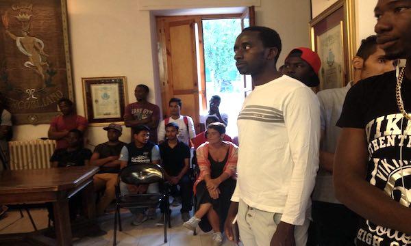 Migranti senza aule studio, soluzione cercasi