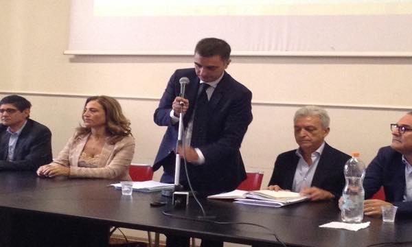 Gambacorta non si dimette, Capone protesta: 'Sibilia convochi Forza Italia'