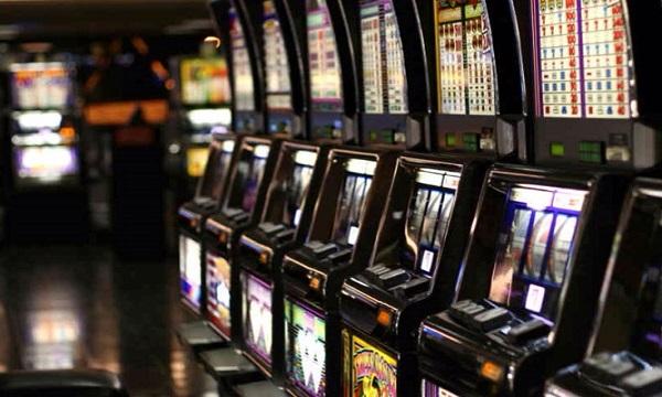 Montoro, sequestrate quattro slot machine