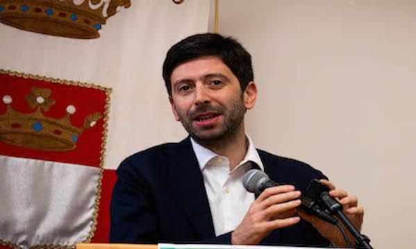 Speranza firma: da domenica la Campania è zona rossa