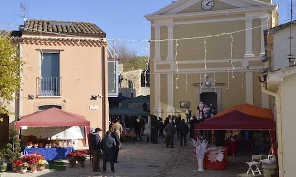 Cairano: mercatini, romanzi e canti natalizi