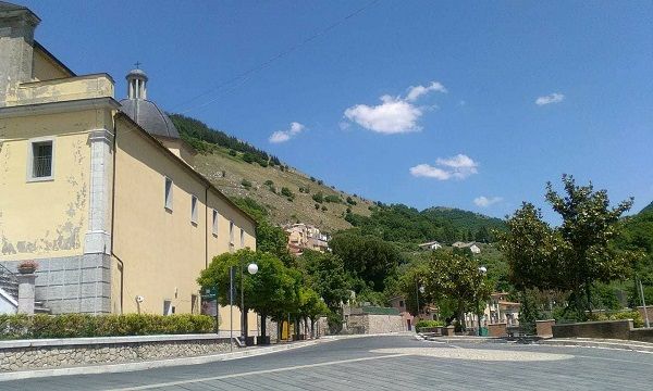 M5S, Lega e Forza Italia: le scelte dei cugini del Sele