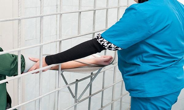 Pochi infermieri nelle carceri irpine, la denuncia della Cgil