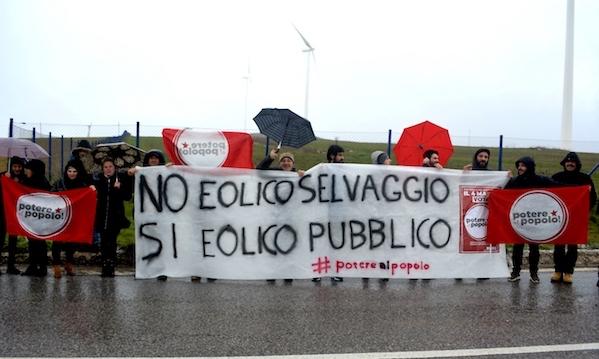 Potere al Popolo a Bisaccia 'contro l'eolico selvaggio'