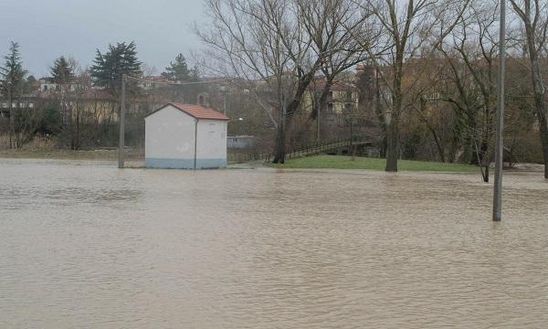 Campania: piogge e vento, avviso della Protezione civile