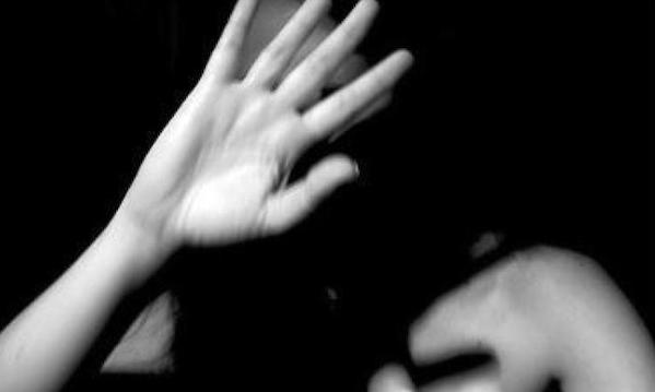 Irpinia, picchia la moglie col manico di un'ascia: arrestato