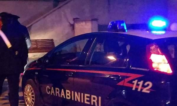 Grottaminarda: tenta di strozzare la moglie davanti ai figli, arrestato 43enne