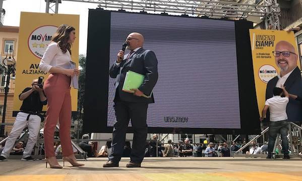 Vince Ciampi, il sindaco di Avellino è 5 Stelle