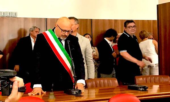 Avellino, la fascia a 5 stelle: 'Ora trasparenza e partecipazione'