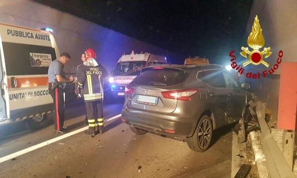 Caposele, scontro tra auto sulla Fondo Valle Sele: tre feriti