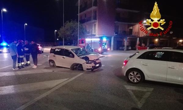 Avellino: incidente in via Scandone, giovane in ospedale