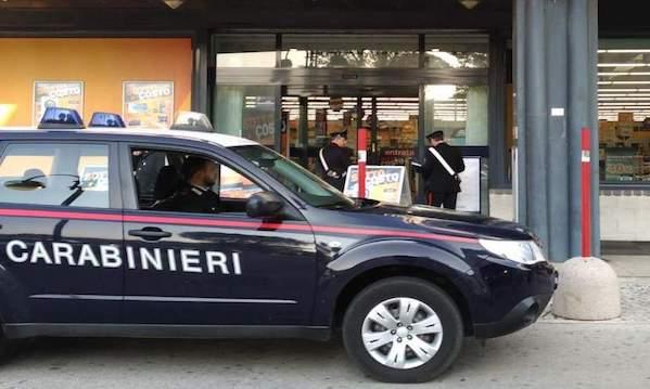 Atripalda: furto al negozio di elettronica, arrestata ventenne