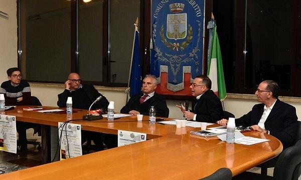 Opportunità dai fondi Ue, Pittella e Cozzolino a Calabritto: 'Giovani, datevi da fare'