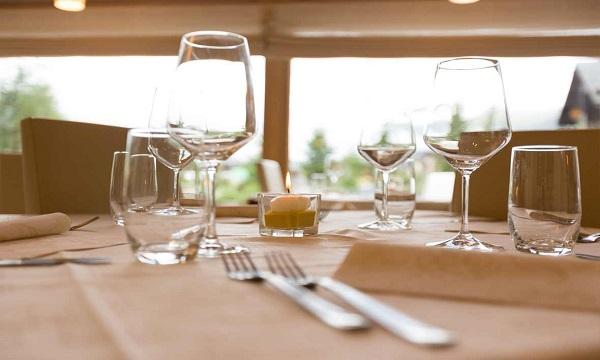 Lioni, al ristorante nonostante obbligo di dimora: nei guai un uomo di Sant'Angelo