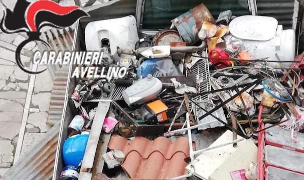 Conza: raccolta e trasporto abusivo di rifiuti, 25enne denunciato