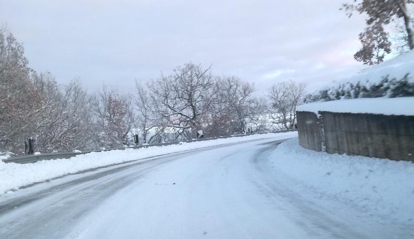 Neve e ghiaccio in Irpinia, scuole chiuse in diversi centri