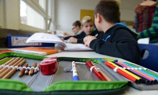 Campania: da lunedì tornano a scuola pure gli alunni di terza