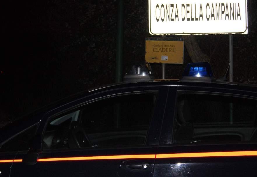 Conza della Campania: in macchina con pistola semiautomatica, arrestato