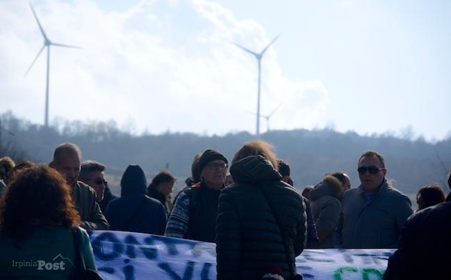 Sul crinale dell'eolico, il vento e la protesta