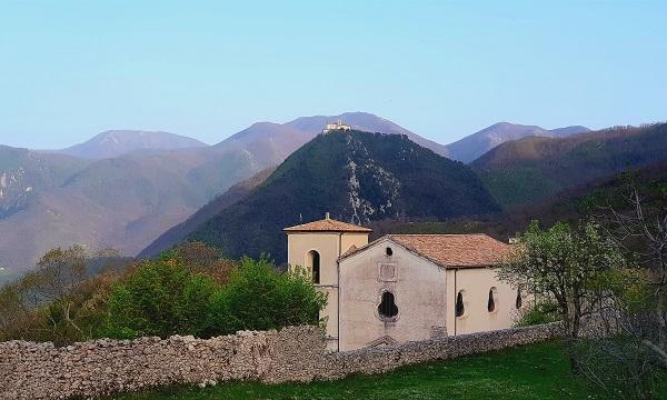 Montella, 'Il Monte' apre al pubblico nel segno di Dante