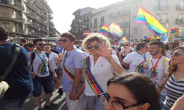 Battaglia e Grimaldi: 'Coraggioso chi è gay in Irpinia'