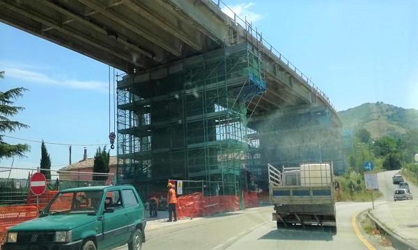 Ofantina, rimosso il semaforo di Parolise: resta il cantiere