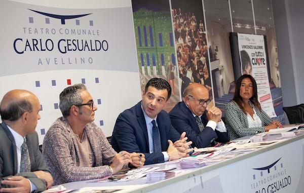 """Al Carlo Gesualdo di Avellino il calendario """"Tradizione e Comicità"""""""
