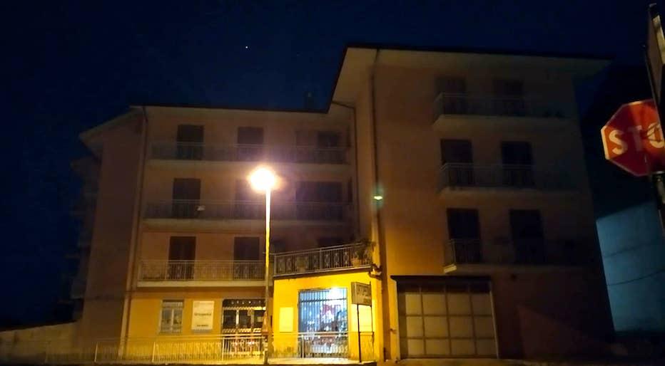 Sant'Angelo dei Lombardi, svaligiati due appartamenti