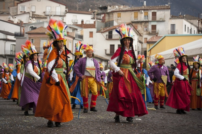 Carri e maschere, il Carnevale Castelveterese alla 50esima edizione