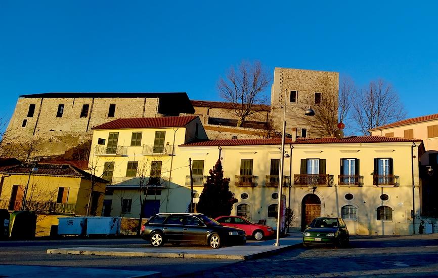 Fase 2 a Sant'Angelo dei Lombardi: è scontro sulla task force