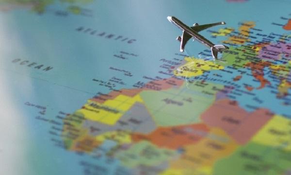 De Luca, nuova ordinanza: 'Obbligo di tampone per chi torna da vacanze'