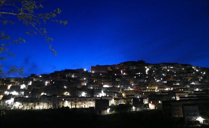 Crisi epilettiche nella notte, donna di Calitri salvata dai carabinieri