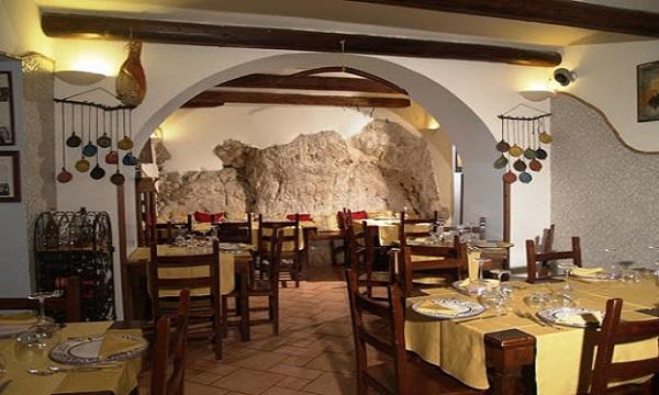 'I santi braceria' e lo street food de 'La Sicilia di Serafino' insieme a Mercogliano
