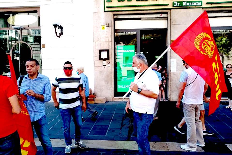 Morra De Sanctis: esplode il caso Cms, operai in piazza ad Avellino