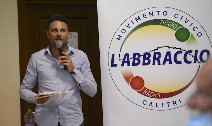 Calitri, l'Abbraccio: 'Di Maio sindaco ambientalista ma zero sull'ambiente'