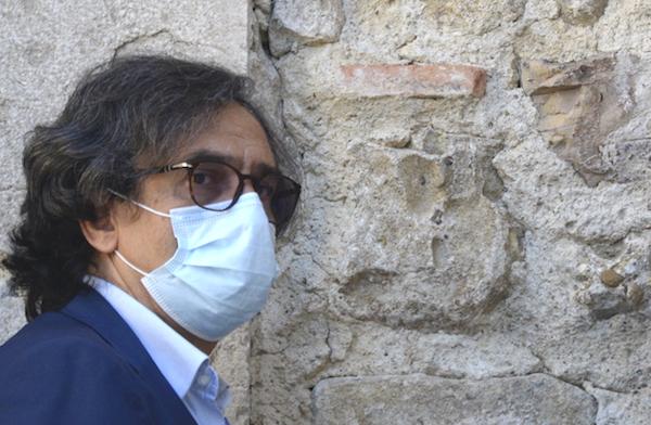 Alaia: 'Coi tamponi Asl e ospedali in affanno, De Luca autorizzi i privati'