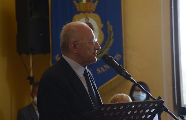 'De Sanctis fu ministro dell'Istruzione, se penso ad oggi mi viene l'angoscia'