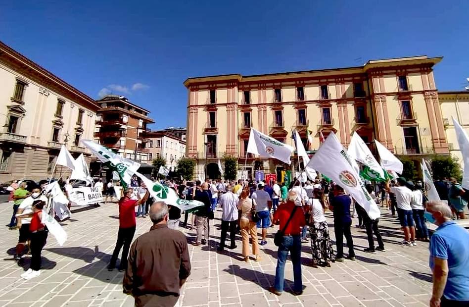 L'Irpinia in piazza contro il biodigestore a Chianche