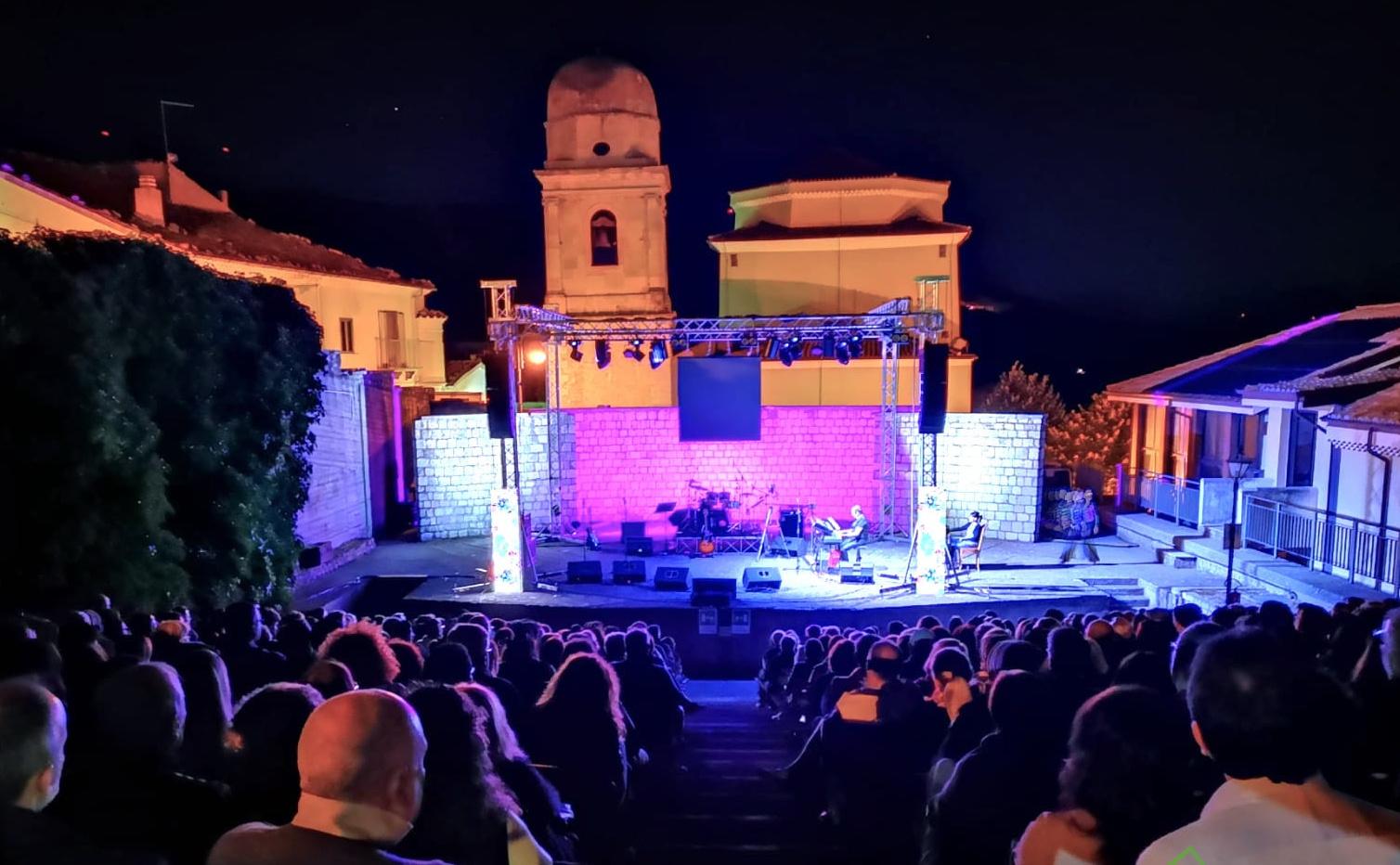 Teatro e Festa del Libro, Sant'Andrea di Conza non rinuncia all'estate