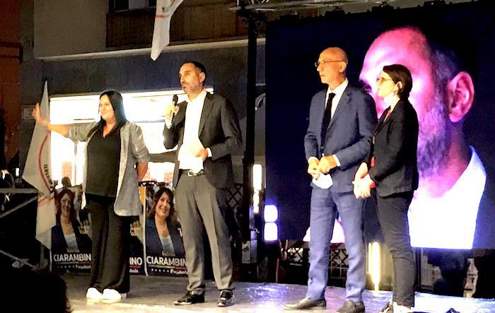 Movimento 5 Stelle, gli irpini sul palco a Napoli: 'Con noi il rinnovamento'