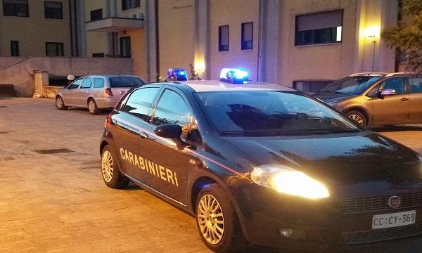 Aggredisce l'ex e la minaccia: arrestato 32enne di Montoro