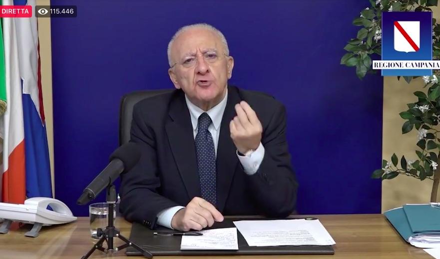 De Luca contro tutti: 'Meglio un governo di unità nazionale'